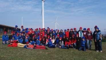 Alumnos de Colegio Alemán de Concepción visitan Parque Eólico Lebu-Toro