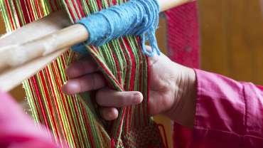 Cursos de telar mapuche: rescate cultural y terapia personal