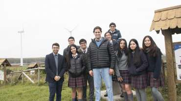 Parque Eólico recibe a alumnos (as) de Lebu que viajaran a Japón